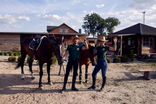 12Ranczo-Relax-Leszcze-Kowbojewedwoje-zdjecia-piotrurbancom-fotograf-urban-sesje-zdjeciowe-koniem resize