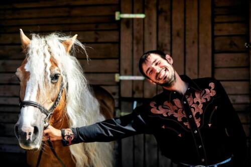 4Ranczo-Relax-Leszcze-Kowbojewedwoje-zdjecia-piotrurbancom-fotograf-urban-sesje-zdjeciowe-koniem resize